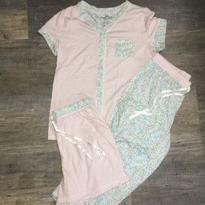 Pajama Set-Shirt, Capris & Shorts